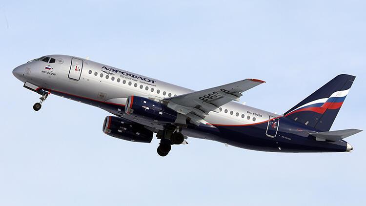 Rusya'da yolcu uçağı acil iniş yaptı