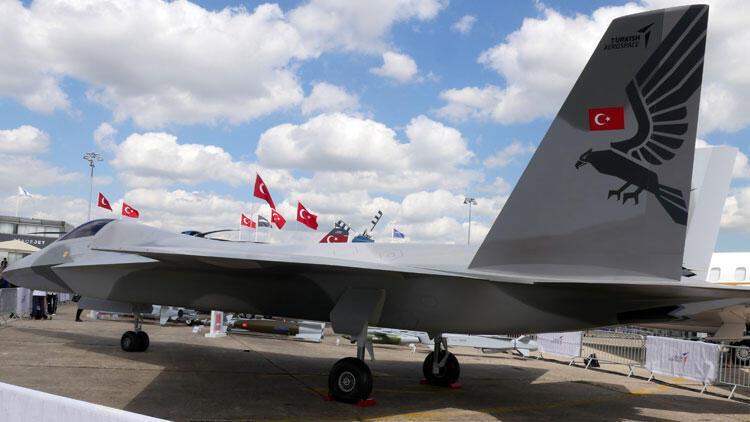 Milli savaş uçağı ilk kez Paris'te tanıtıldı…