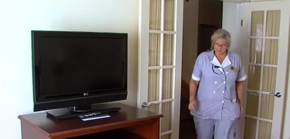 Otel çalışanı oda temizlerken gördüğü şeyle şoke oldu Zor karar