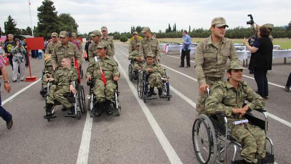 Engelli gençlerin askerlik gururu