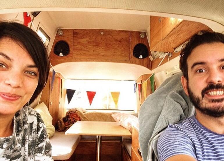İşlerinden istifa ettiler, karavanla dünyayı geziyorlar