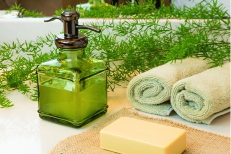 Vücut temizliğinde sabun mu, duş jeli mi kullanılmalı