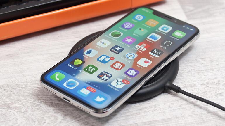 iPhone X bugün satışa çıkıyor | İşte tüm özellikleri