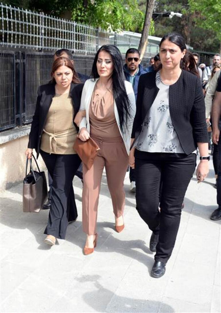 Öğretmen Ayşe Çelik, bebeğiyle cezaevine girdi