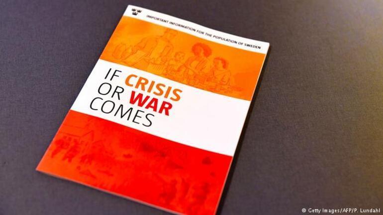 İsveçte evlere savaş uyarısı broşürleri dağıtılıyor