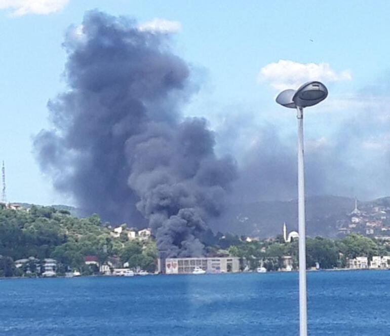 Son dakika: Beykoz'da dumanlar yükseliyor Eski fabrika yanıyor...