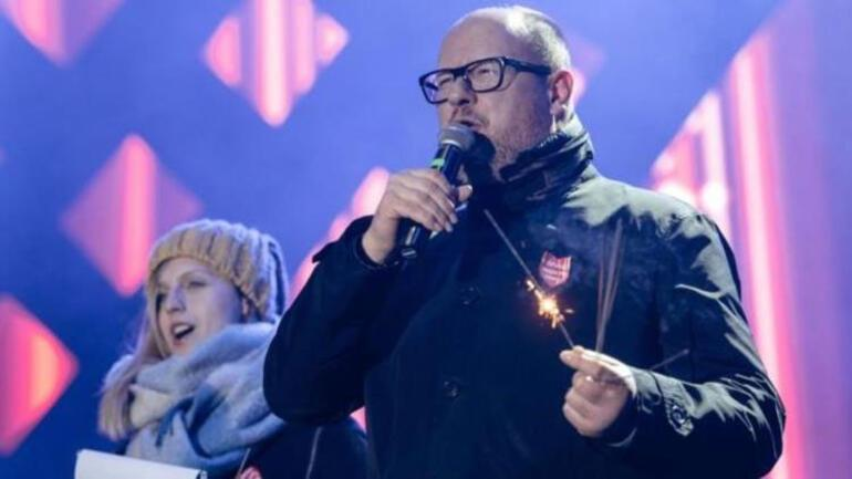 Polonya'da belediye başkanı sahnede bıçaklandı