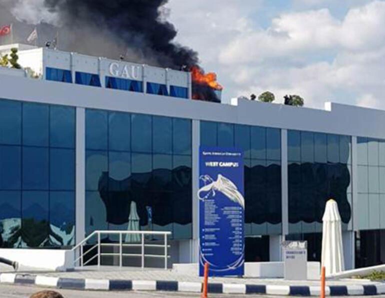 Son dakika: Kıbrıs'ta Girne Amerikan Üniversitesi'nde yangın