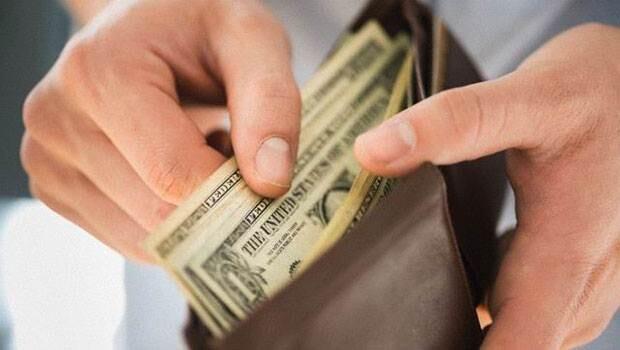 5723006267b0a91bc4f6275a UniCredit: Dolar yaklaşık yüzde 10 fazla değerli