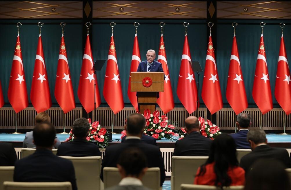 Son dakika haberi: Cumhurbaşkanı Erdoğan'dan yurt eleştirilerine rakamlı, fotoğraflı yanıt