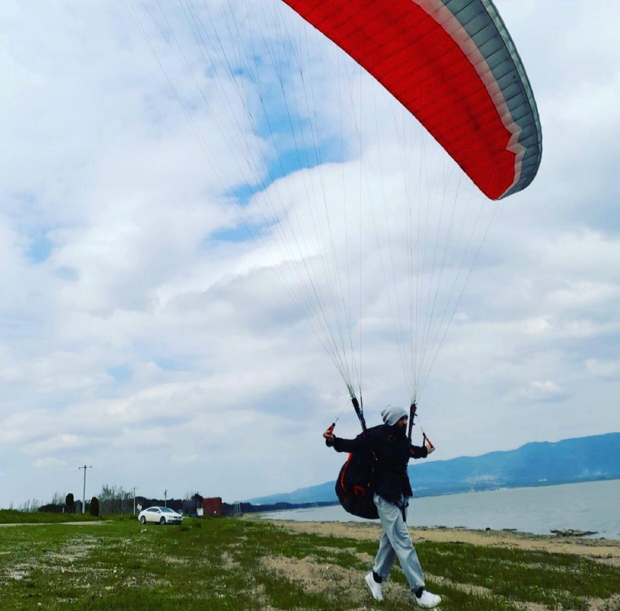 Her yerde aranıyor! Bursa'da paraşütle dağdan atladı, olumsuz hava şartları nedeniyle gözden kayboldu