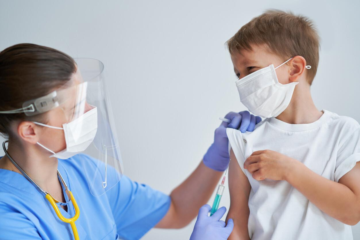 'Ben çocuğuma yaptırırım...' Çocuklar aşı olacak mı? Uzmanlar ne diyor?