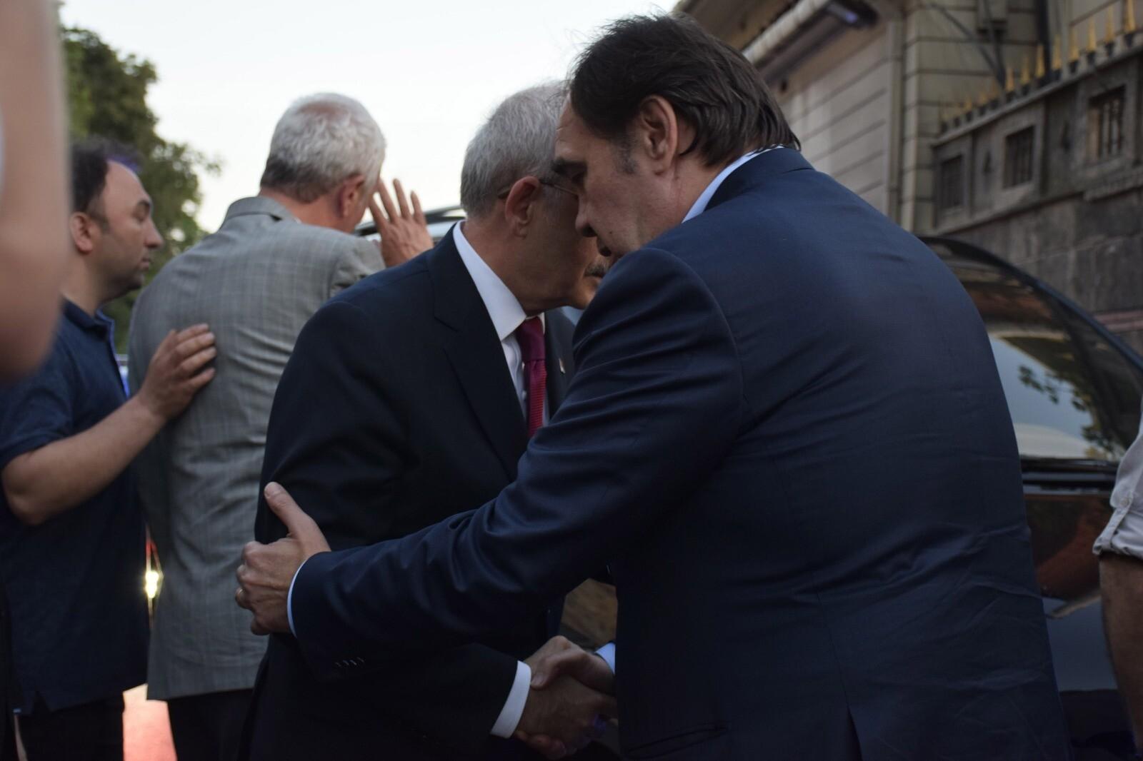 Kılıçdaroğlu'ndan Demirören ailesine taziye ziyareti