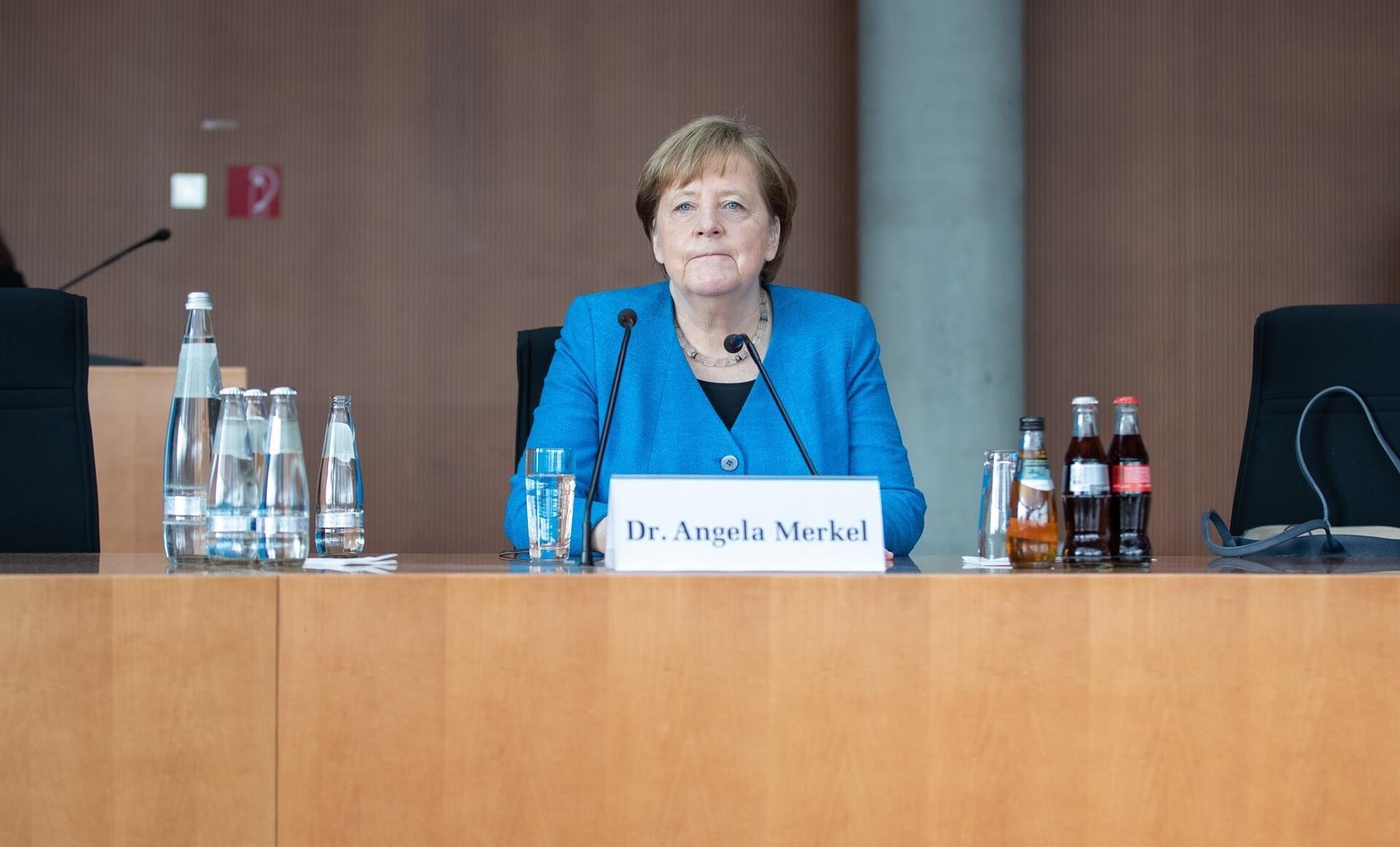 Almanya'daki skandal büyüyor! Merkel ifade verdi...