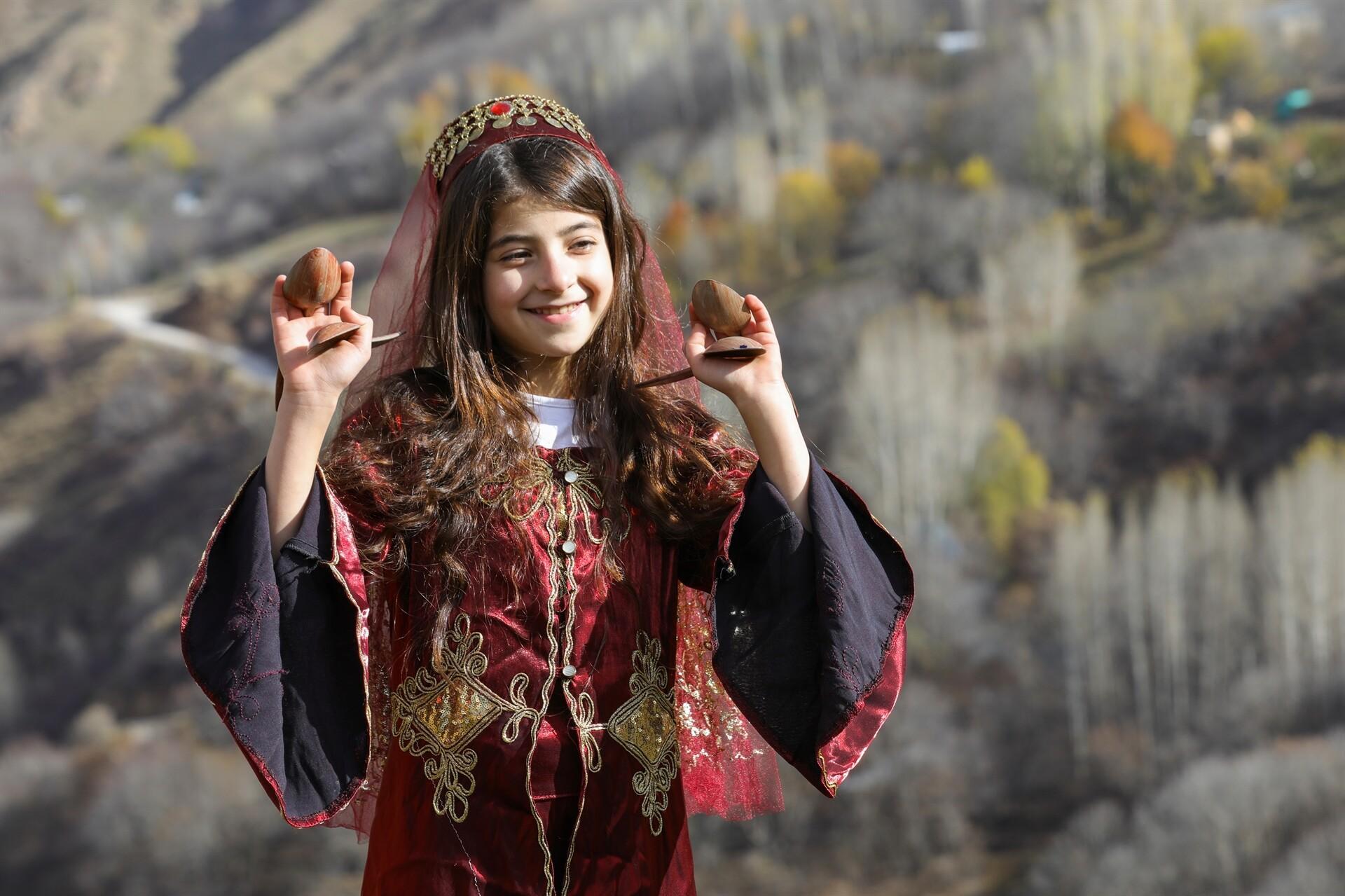 Türkiye'nin renkleri Van'da buluştu