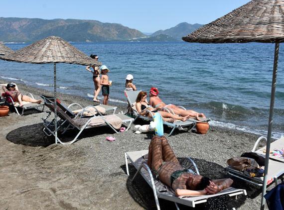 Marmaris'te turistler denizin tadını çıkardı
