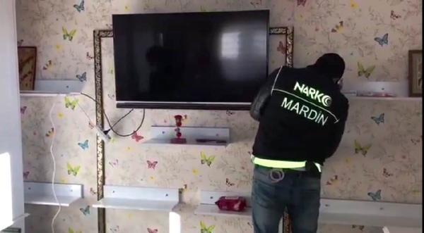 Mardin'de operasyon! Yatak odasındaki gizli bölmede yakalandı