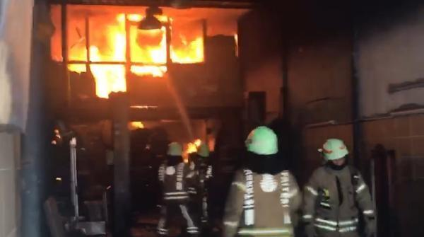 Son dakika... Şişli'de otomobil tamirhanesinde yangın
