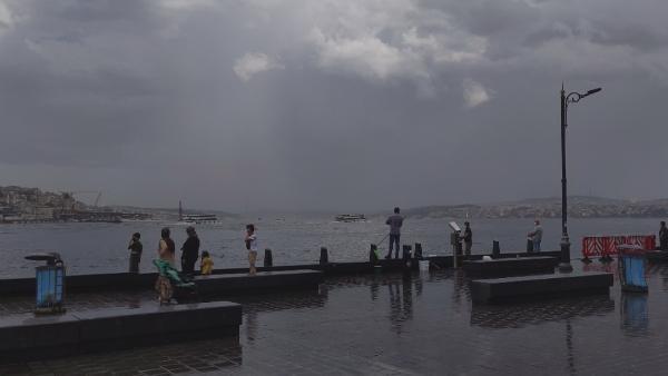 Son dakika haberi: İstanbul'da dolu yağışı! Prof. Dr. Şen uyardı: Aracınızı güvenli bir yere koyun