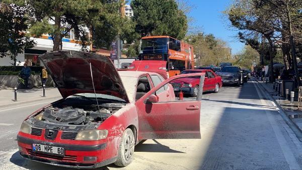 60817a2e4e3fe11310b6ffbe - Bağdat Caddesi'nde otomobil yangını