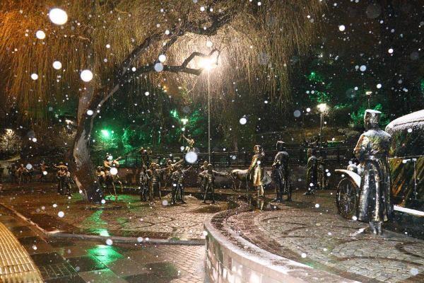 Son dakika... İstanbul ve Ankara'da kar yağışı! Beyaz örtü oluştu... Meteoroloji'den yeni uyarı