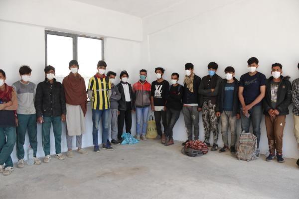 Van'da 73 Afgan kaçak göçmen yakalandı