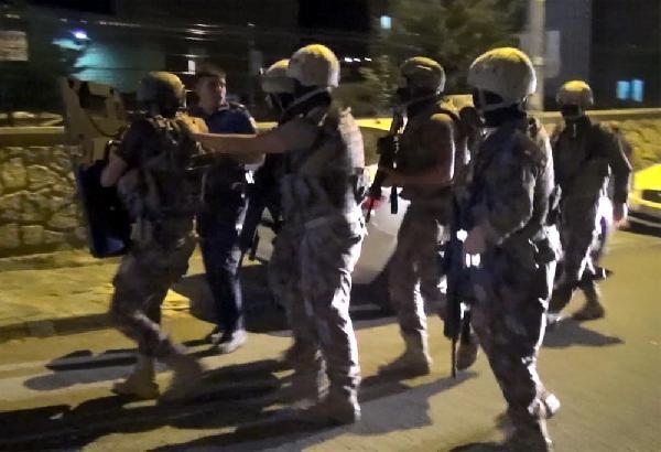 Kayseri'de olaylı gece! Özel Harekat devreye girdi... Kız arkadaşını kilitledi