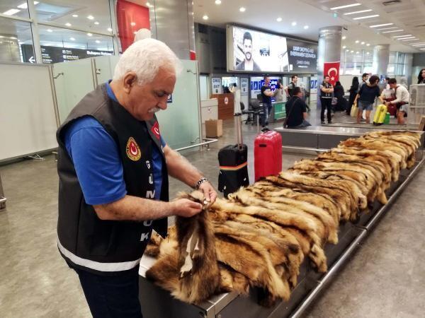 Atatürk Havalimanı'nda şok! Yolcunun unuttuğu valizden çıktı...
