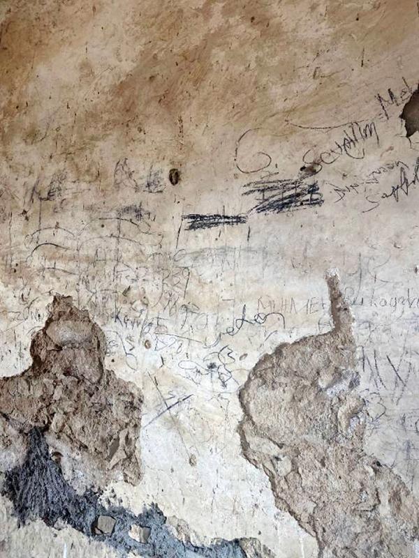 Antalya'da tarihi camide utandıran görüntü! Hemen harekete geçildi