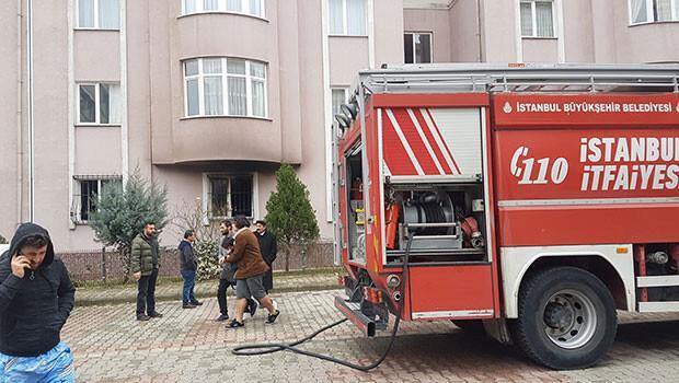 Son dakika... İstanbul'da yangın: Bir kişi hayatını kaybetti