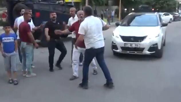 Diyarbakır'da gazetecilere çirkin saldırı