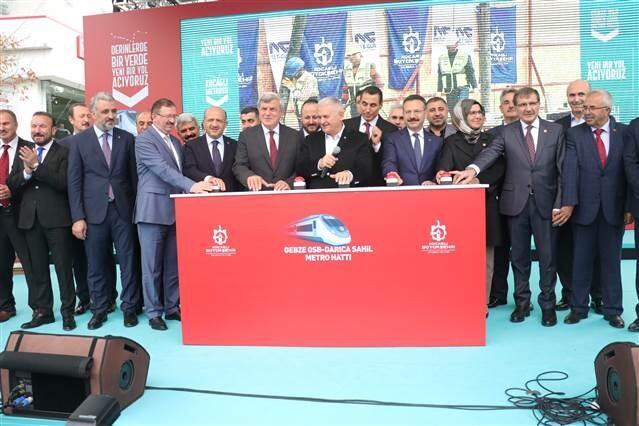 Kocaeli'de 5 milyar liralık metro projesinin temeli atıldı