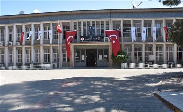 Türkiye'nin en büyük cezaevlerinden biriydi... Buca Cezaevi kapatıldı