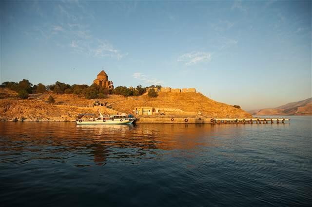 Bakan Ersoy, Akdamar Adası'ndaki ayine katılacak
