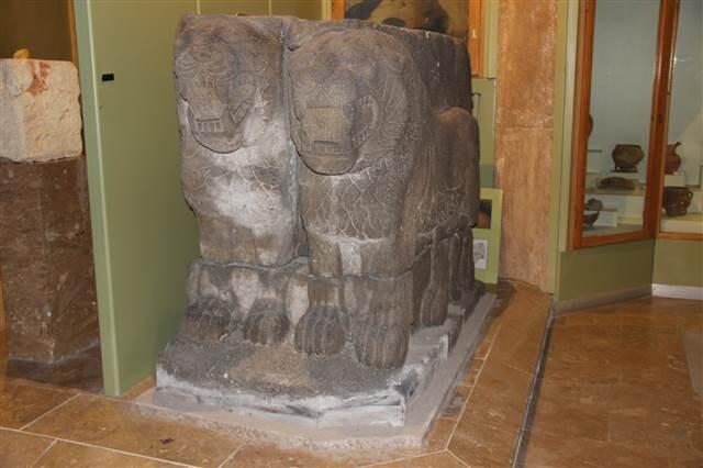 İki şehri birbirine düşüren heykel Niğde'de