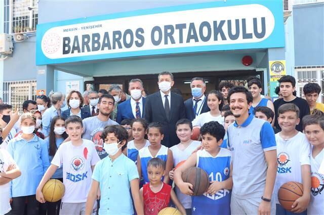 Milli Eğitim Bakanı Ziya Selçuk'tan okulların açılmasıyla ilgili önemli açıklama