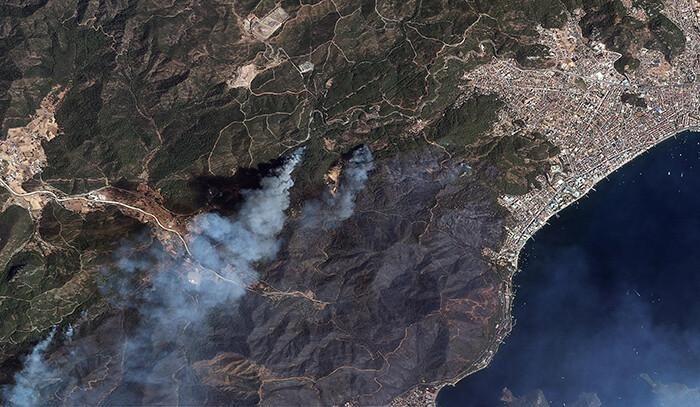 Göktürk uyduları, Manavgat ve Marmaris'teki orman yangınlarını uzaydan görüntüledi