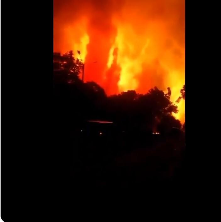 Son dakika haberi: Endonezya'da petrol rafinesinde şiddetli patlama