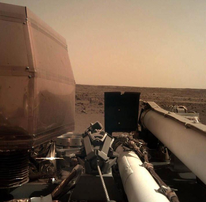 InSight, Mars'tan yeni bir görüntü paylaştı