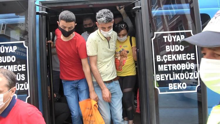 Esenyurt'ta akılalmaz görüntüler! Minibüsten 35 yolcu çıktı...