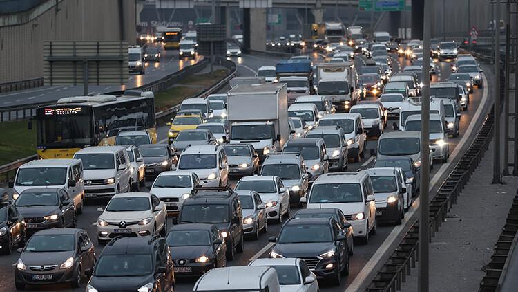 608a33794e3fe00878e1bb20 - Son dakika... İstanbul'dan 'tam kapanma' göçü devam ediyor! Trafik yoğunluğu yüzde 51'i aştı..