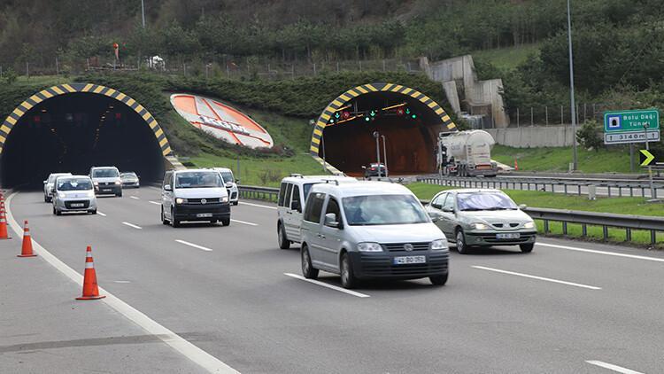 608a472a4e3fe00878e1bbef - Son dakika... İstanbul'dan 'tam kapanma' göçü devam ediyor! Trafik yoğunluğu yüzde 51'i aştı..