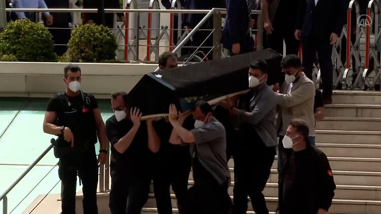608e9b064e3fe01984b590dc - Cumhurbaşkanı  Recep Tayyip Erdoğan, Ümraniye Belediye Başkanı İsmet Yıldırım'ın babasının cenaze namazına katıldı