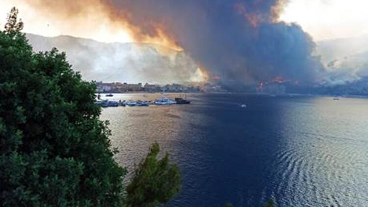Son dakika: Marmaris'teki orman yangını! Bir kişi hayatını kaybetti, bölgeden dehşet verici kareler geliyor...