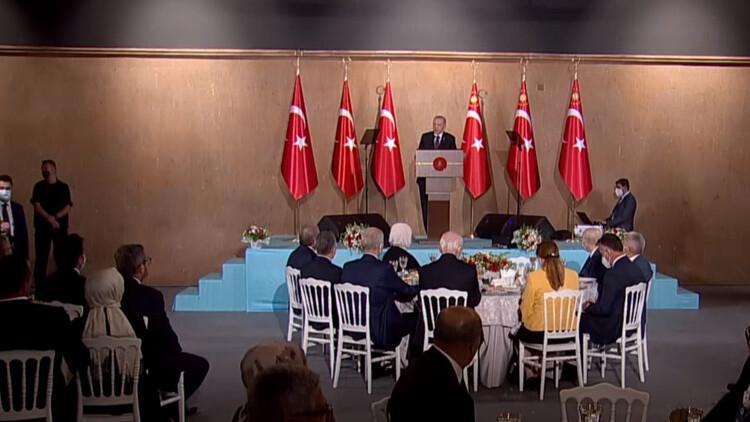 Son dakika: Erdoğan Ahlat'ta büyükelçilere seslendi: Türkiye ilave bir göç yükünü kaldıramaz
