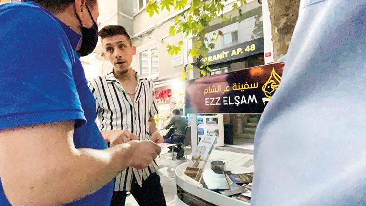 İstanbul'un göbeğinde 'kaçak tur' stantları