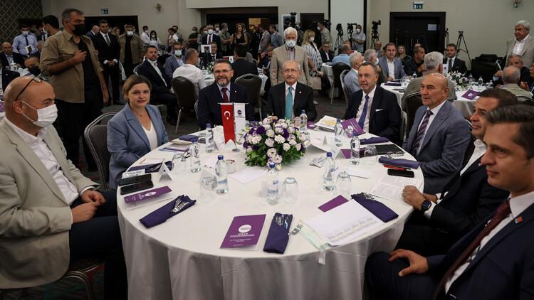 Kılıçdaroğlu, İzmir'de iş insanlarıyla buluştu