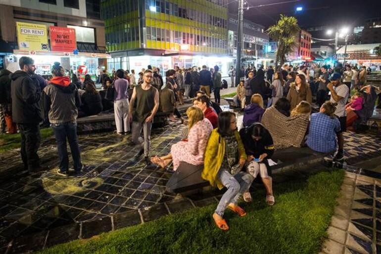 Yeni Zelandada 7.8 büyüklüğünde deprem Tsunami alarmı...